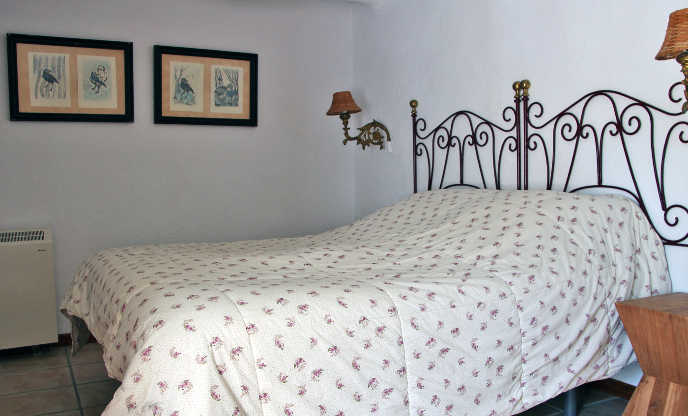 Casa el Patio Is an apartment suitable for 2 people. Entrance through a hallway. Spacious living room, kitchen in characteristic, atmospheric Spanish style. The kitchen is fully equipped for cooking. The… Continue Reading..